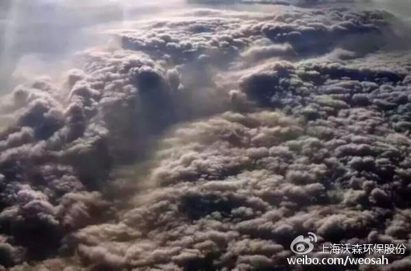 飞机拍摄空中的云彩